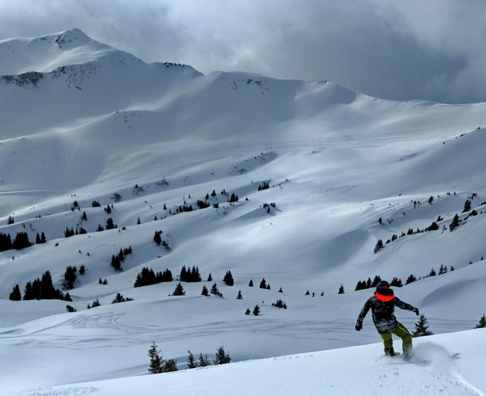Off piste snowboarding in Damuls Austria