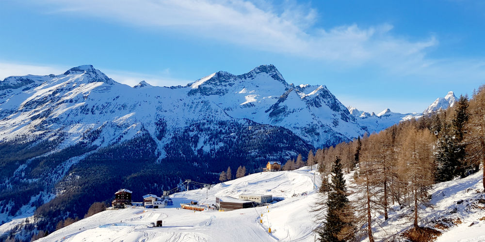 Review of Champoluc snowboarding holiday in Monte Rosa at CampZero