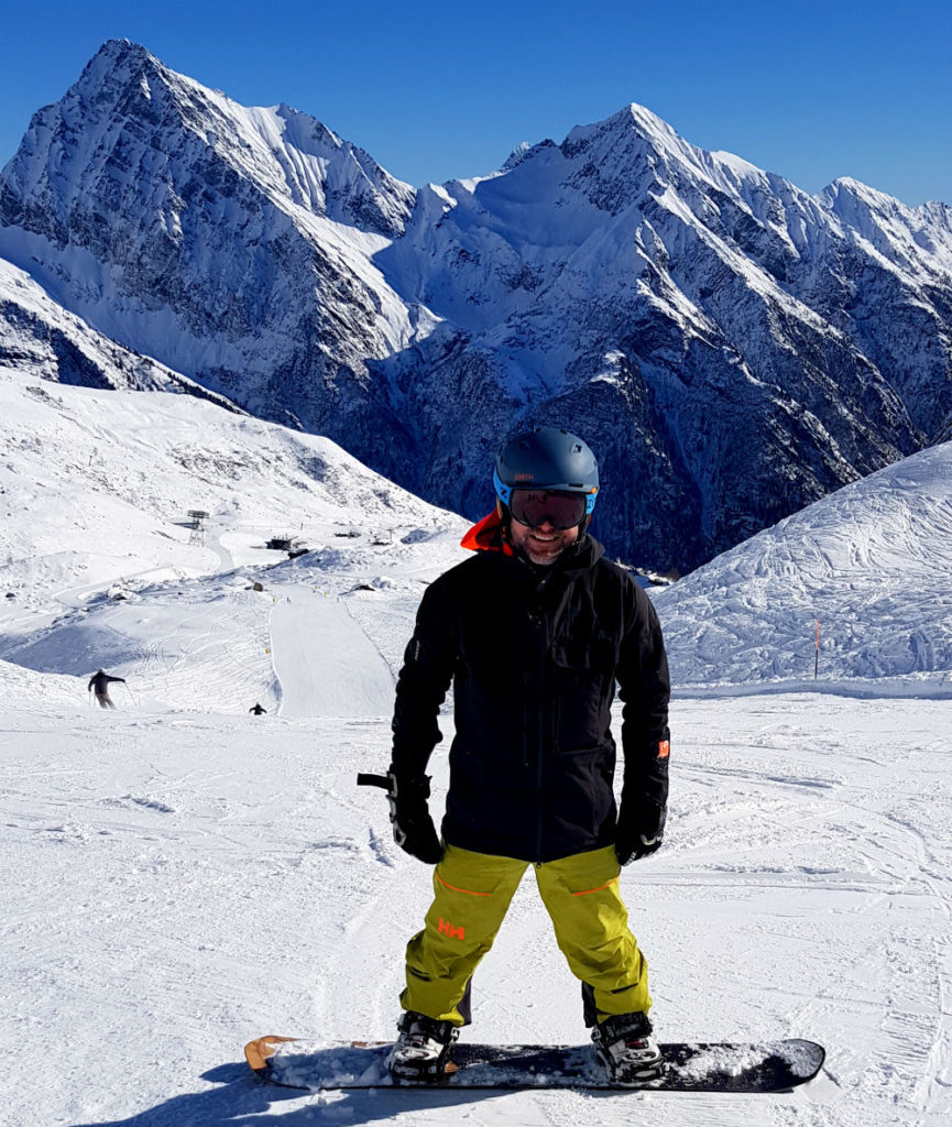 Review of Champoluc snowboarding holiday in Monte Rosa staying at CampZero