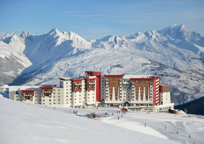 Best solo ski trips Including Christmas singles skiing holiday La Plagne image courtesty of Singlesport