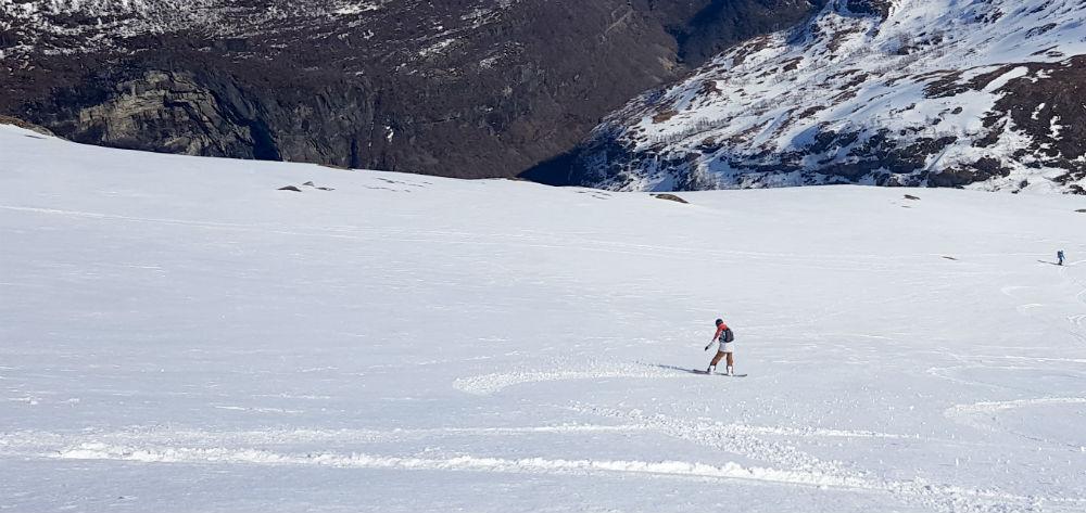 Fresh tracks snowboarding in Vatnahalsen Norway during review of Freeride the fjords in Norway