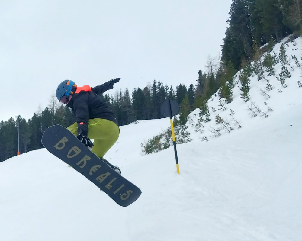 sidehit while snowboarding in Solden