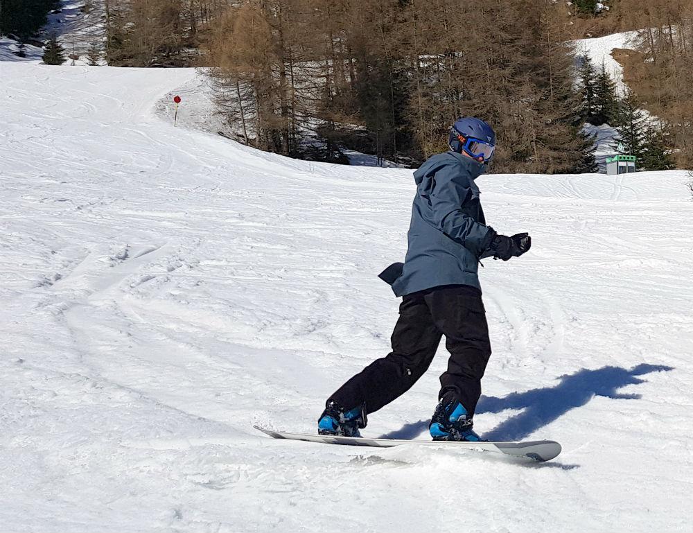 Review of Dakine Eliot snowboarding jacket in Solden