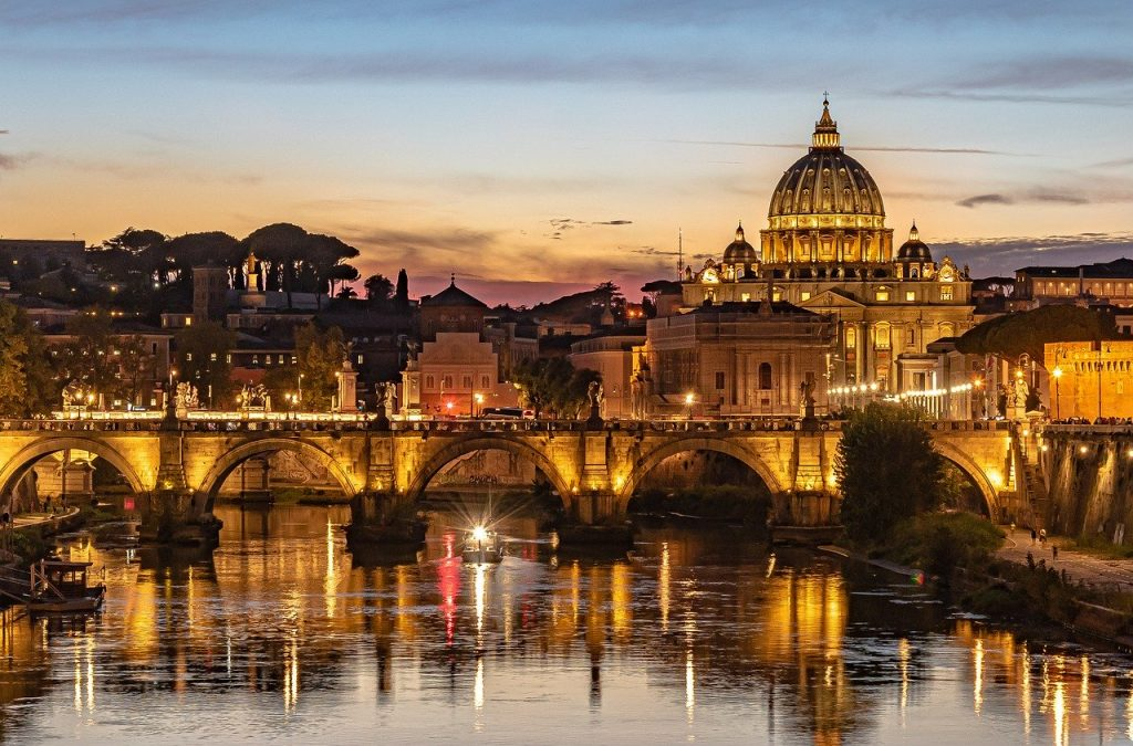 Top 11 Italian activity holidays Rome walking tours one of the best adventures in Italy Pixabay royalty free image