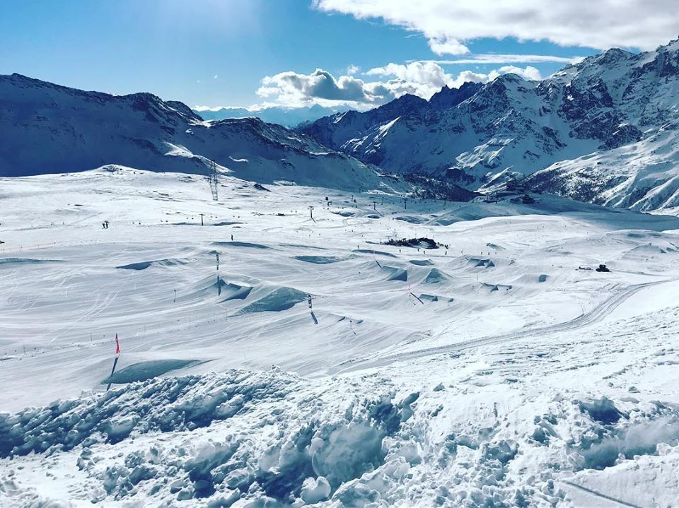 Indianpark during review of Cervinia snowboarding holiday in Matterhorn Ski Paradise image courtesy of Indianpark FB page