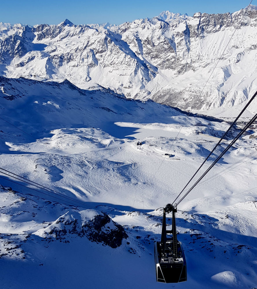 Top of ski area during review of Cervinia snowboarding holiday in Matterhorn Ski Paradise