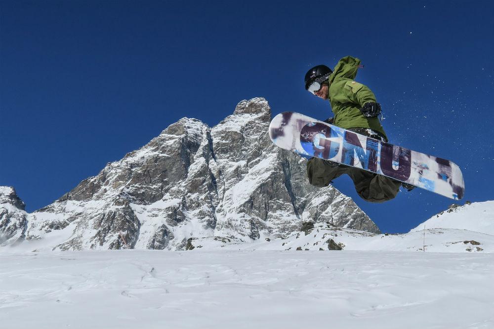 VALLE D'AOSTA-Snowboard Indian Park Breuil-Cervinia (foto Enrico Romanzi)