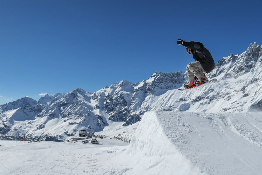 VALLE D'AOSTA-Snowboard Indian Park Breuil-Cervinia (photo Enrico Romanzi)