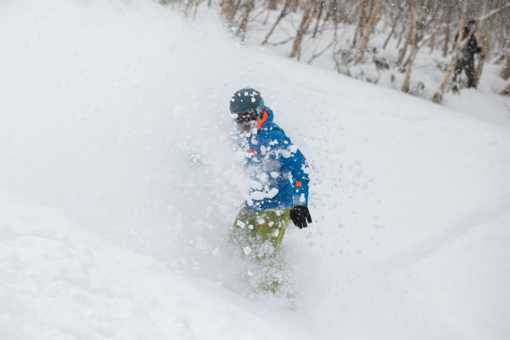 Helly Hansen Garibaldi jacket review Japan snowboarding Sapporo Kokusai Photo by Antti Hentinen