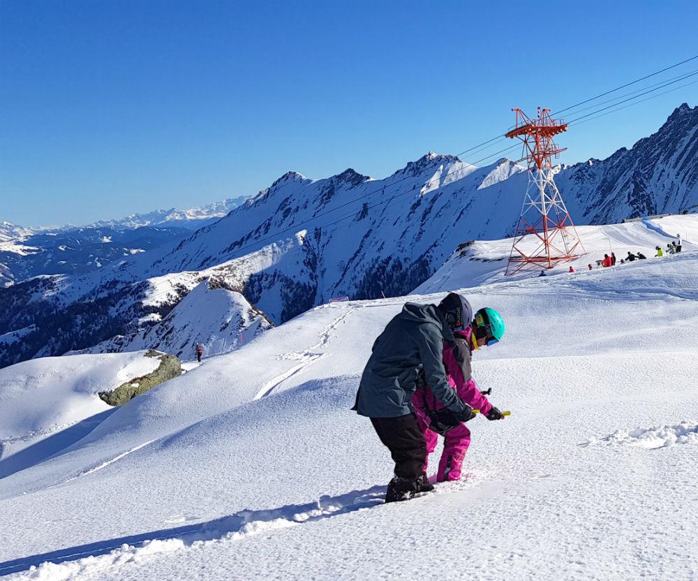 Avalanche transceiver training with Frost Ski School Kitzsteinhorn Kaprun