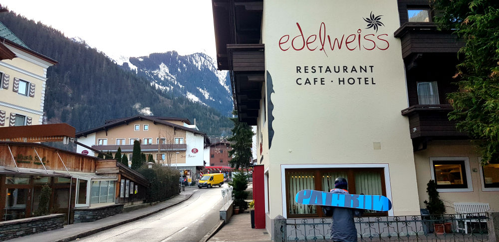 Review of Crystal Ski holiday in Mayrhofen ay Hotel Edelweiss