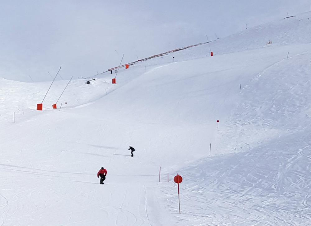 empty pistes in Mayrhofen Snowboarding in Zillertal