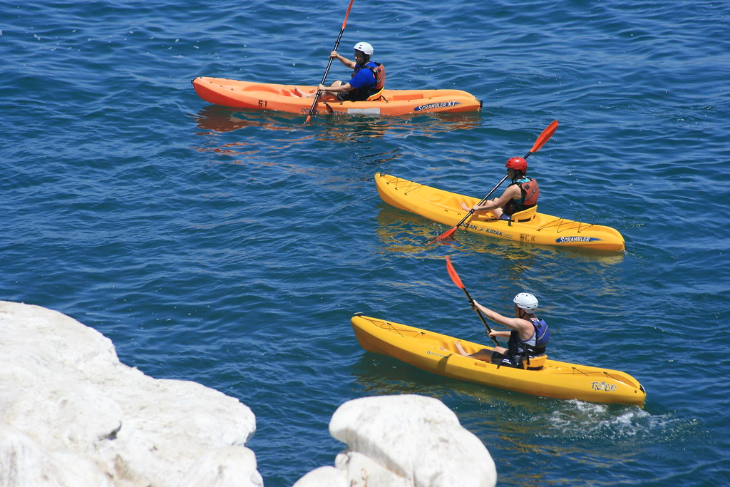 Kayaking la jolla in San Diego one of the top 21 South California activities Flickr CC image by Supermac1961