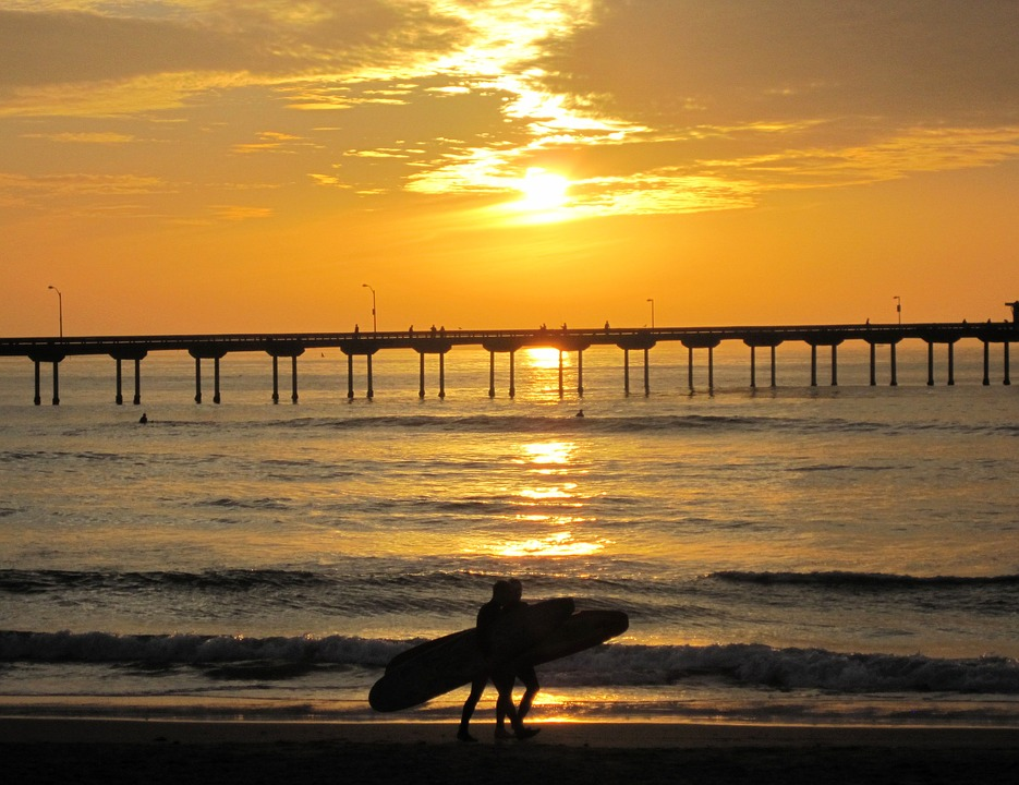 surfing in San Diego one of the top 21 South California activities Pixabay royalty free image