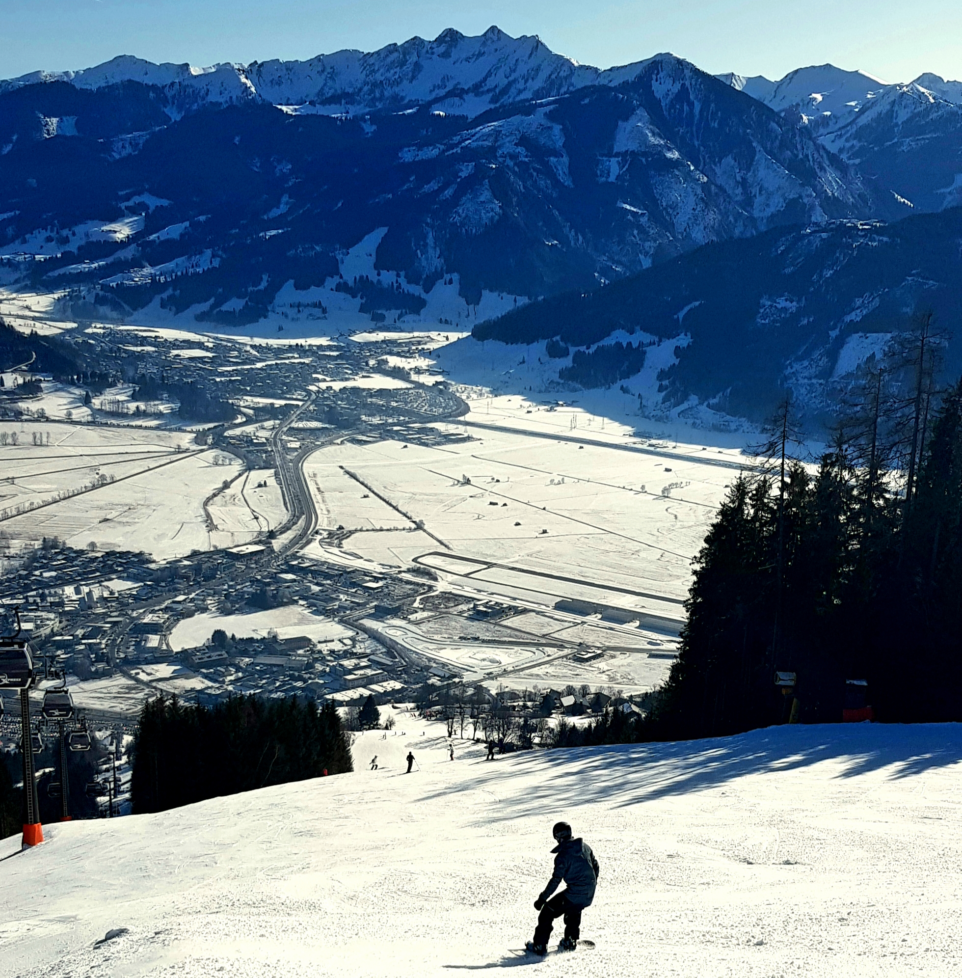 Guided Austria snowboard holiday with tuition in Salzburgerland