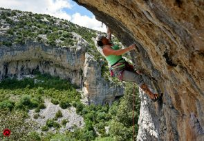 female only Spain climbing camp at Siurana
