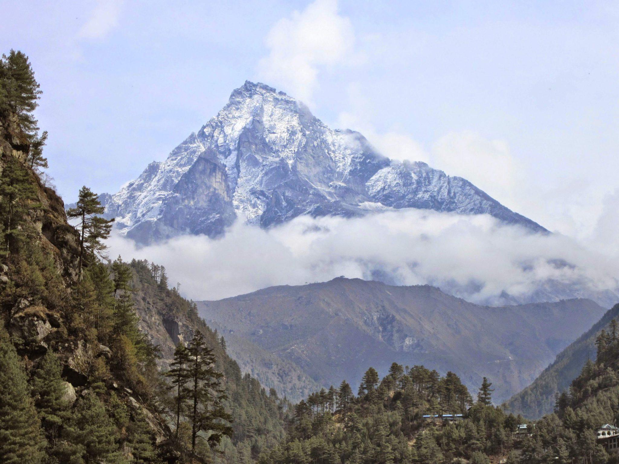 11 Day Everest Trekking Off the Beaten Path Wellness Tour