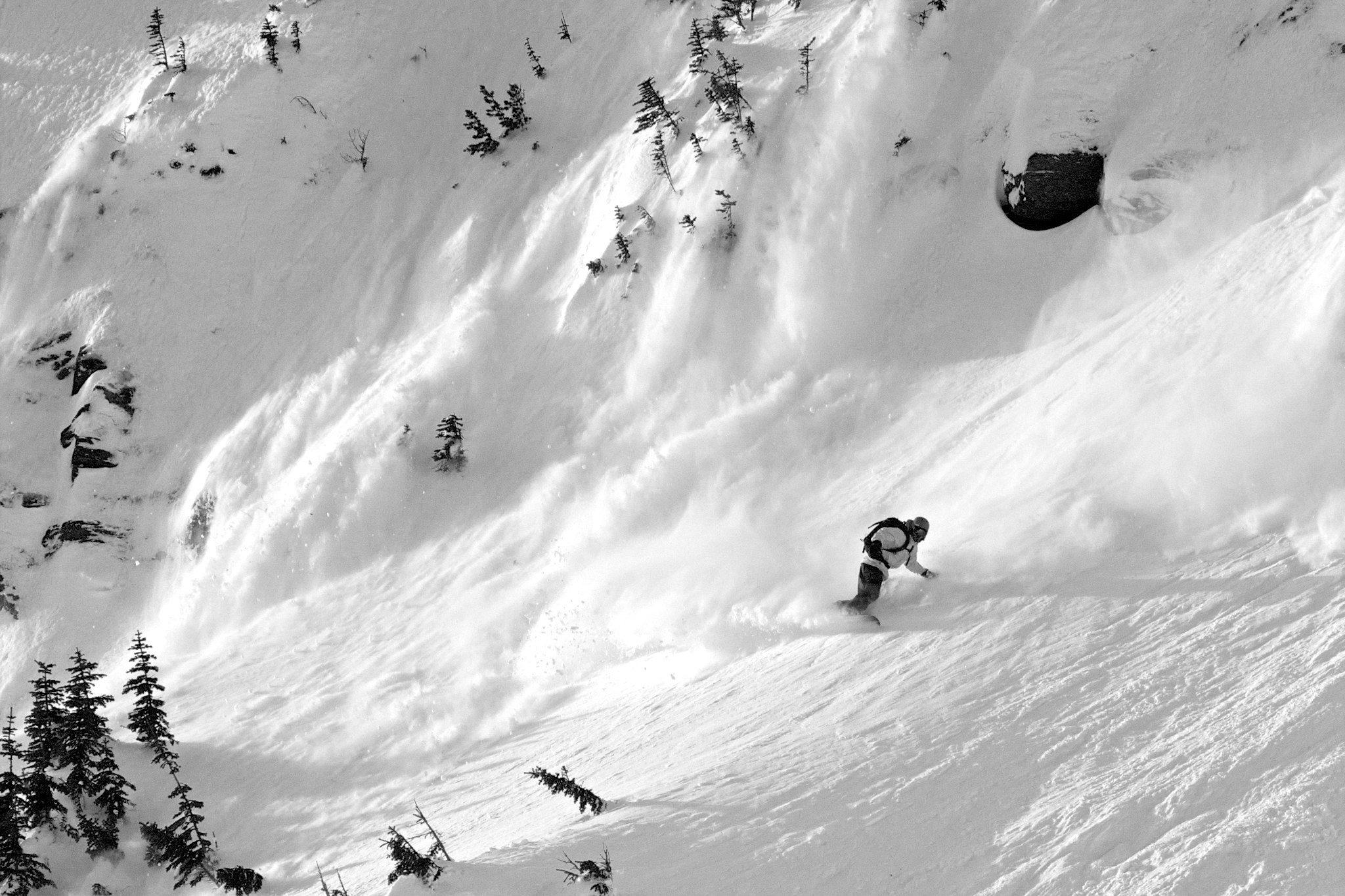Freeride Snowboard trip to Georgia: Heli-Splitboarding in Gudauri