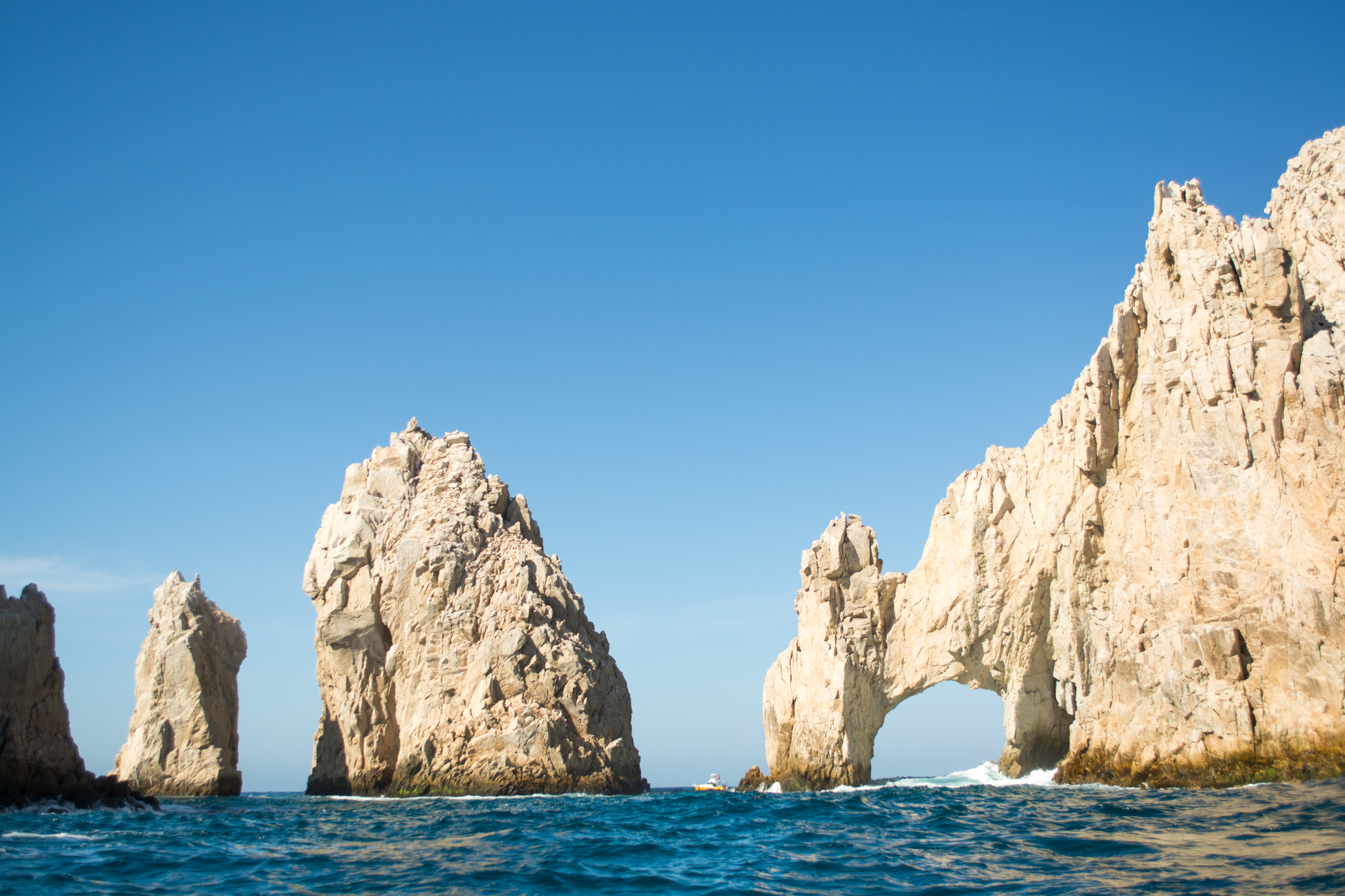 Private Los Cabos kayaking tour of the Arch & Playa del Amor