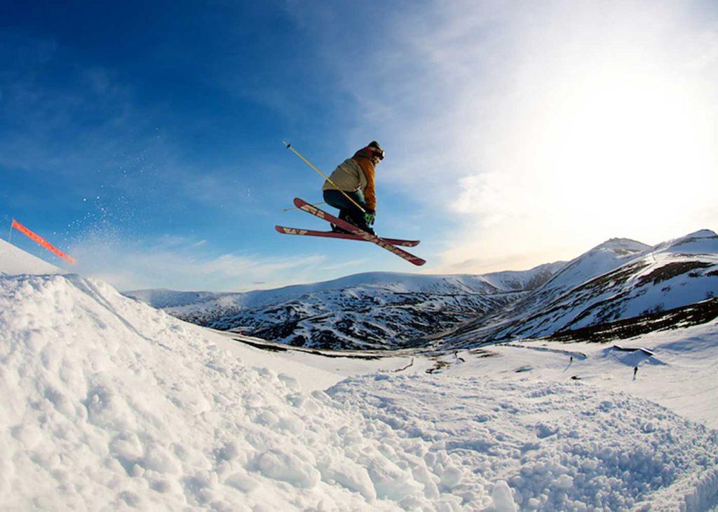 top 11 tips to ski Scotland Image courtesy of Glenshee ski centre