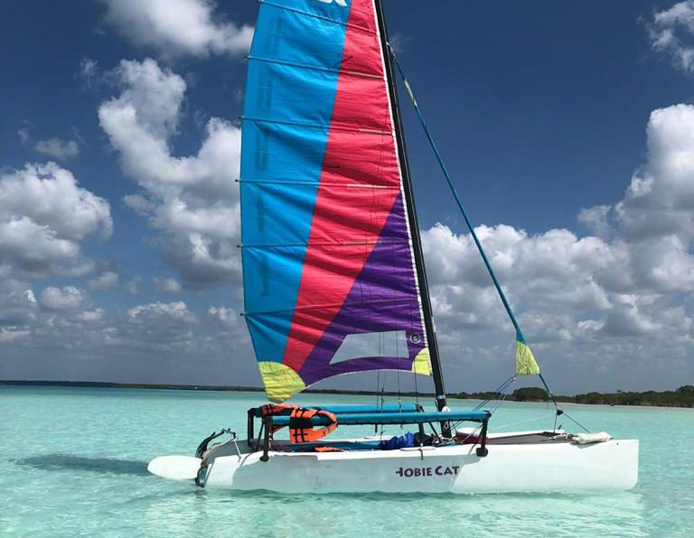 Sailing in Mexico at the Bacalar Lagoon of 7 colours