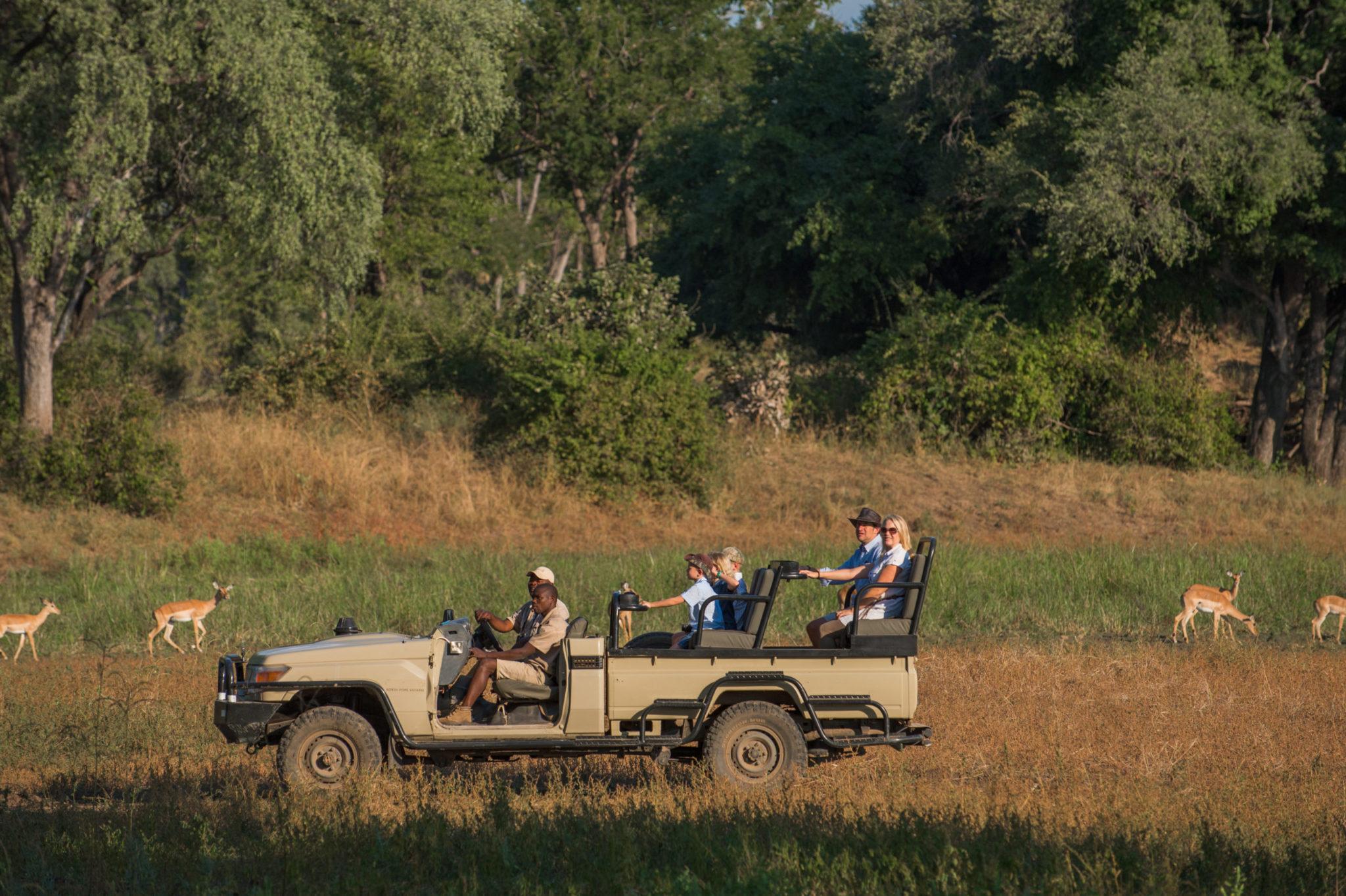 Tena Tena Camp in Zambia: Glamping safaris in South Luangwa NP