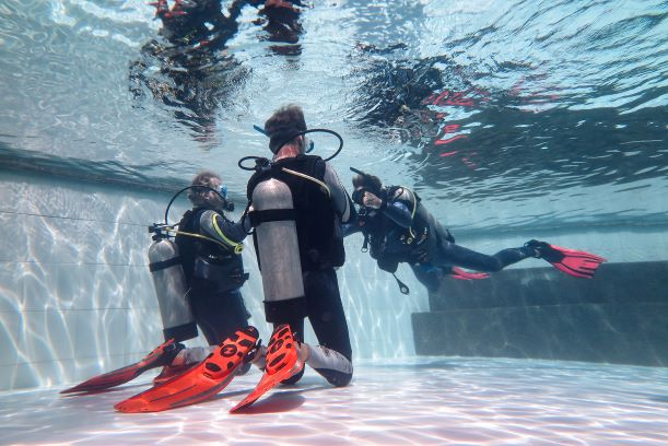 Philippines PADI open water course: Learn to scuba dive in Dauin