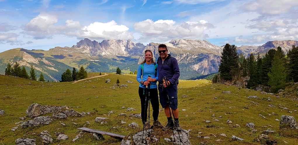 Luxury hiking holiday in the Dolomites around Sassolungo