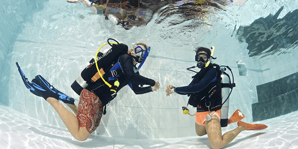 Philippines beginners scuba diving holiday in Dumaguete: PADI OWD