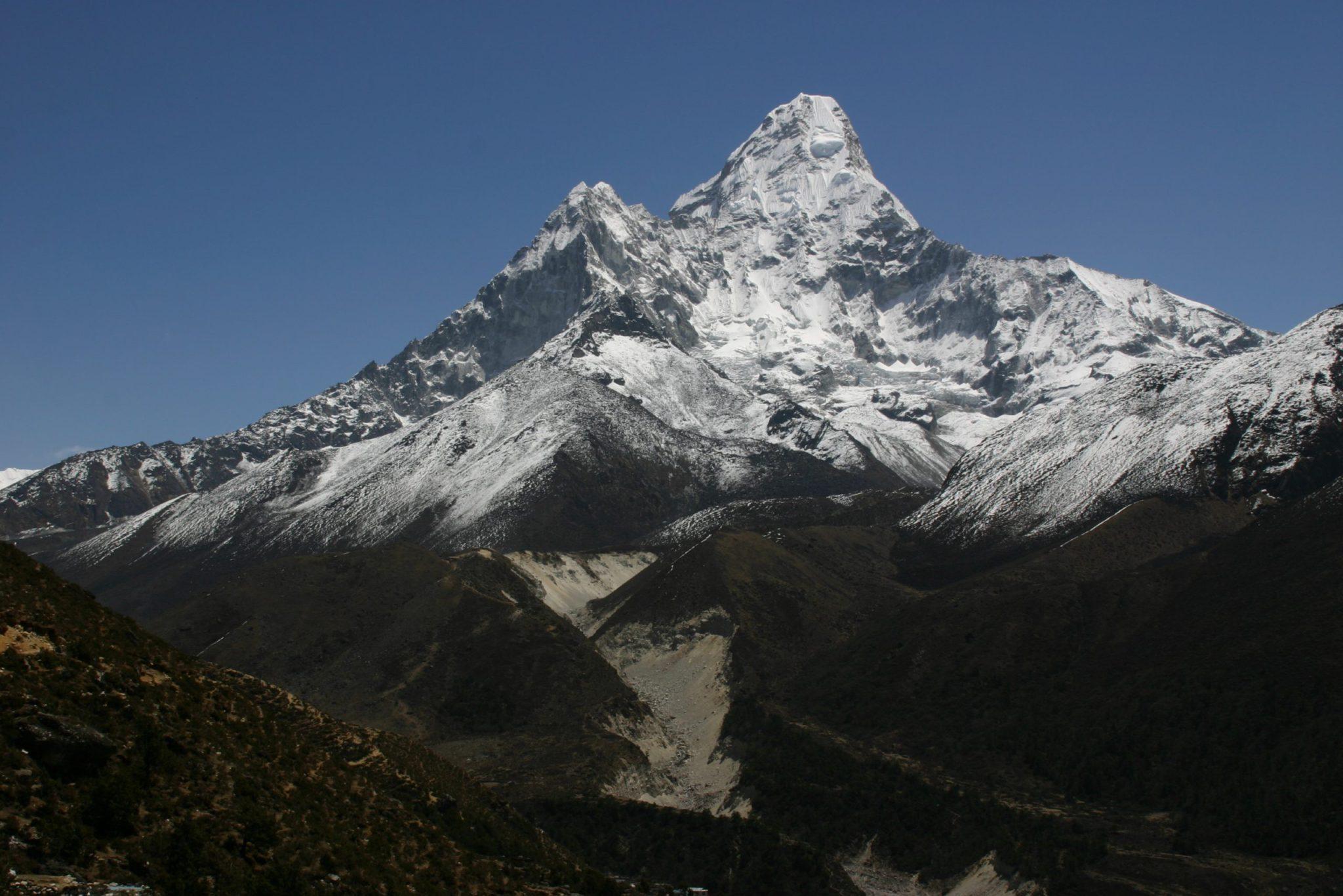 Luxury Everest Trek to Ama Dablam Base Camp Wellness Tour