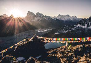 Gokyo Lakes Trek Wellness Tour from Mount Everest