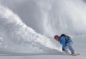 Japan freeride snowboarding & splitboarding holiday in Hokkaido