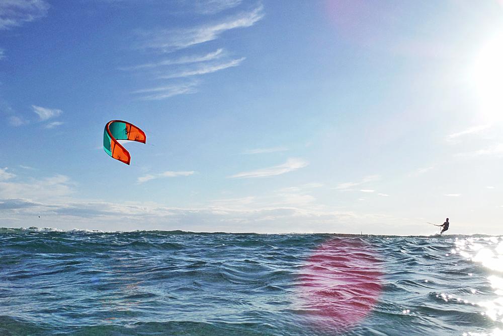 One week 4* Tarifa kitesurfing holiday in Spain inc. flights