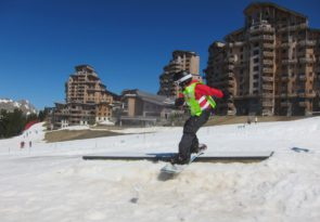 private kids snowboard lessons in Morzine, Avoriaz, Les Gets & Chatel by Mint Snowboarding