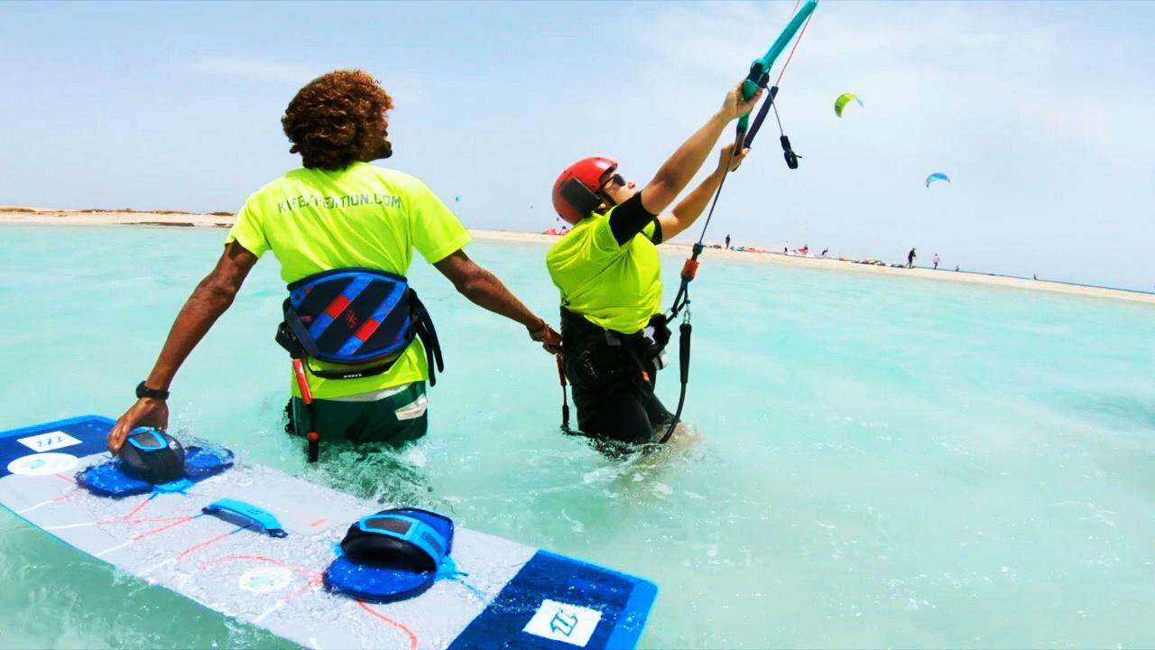 Beginner kitesurfing course in Egypt: Hurghada kitesurf lessons
