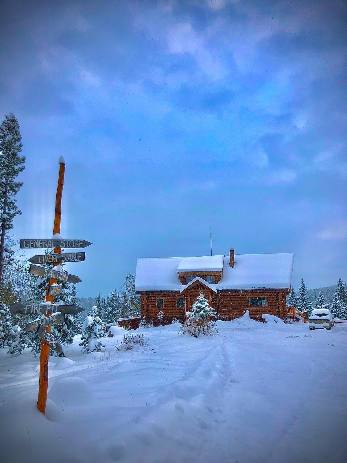 Big Creek Lodge: Christmas & New Year ranching deal in Canada