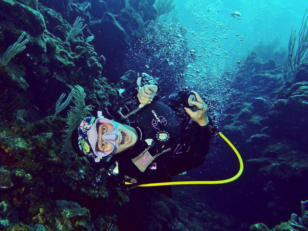Fakarava diving cruise: French Polynesia scuba & sailing holiday