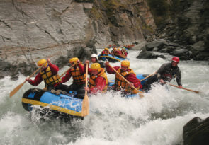 Rafting one of the Best extreme experiences in Queenstown Wikimedia CC image by QueenstownRafting