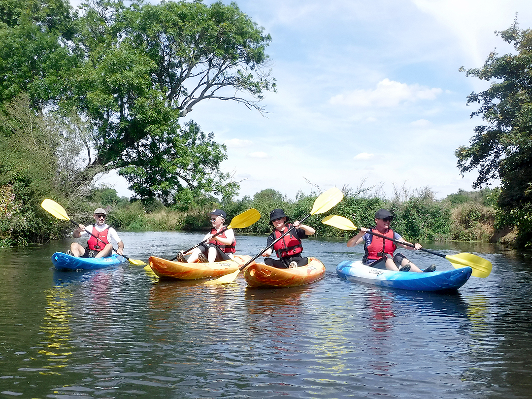 River Ouse kayaking: Barcombe Mills kayak expereince in Sussex