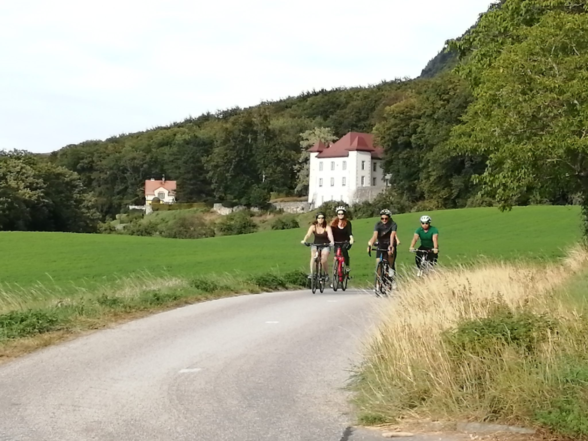Greater Geneva cycling experience in Switzerland and France