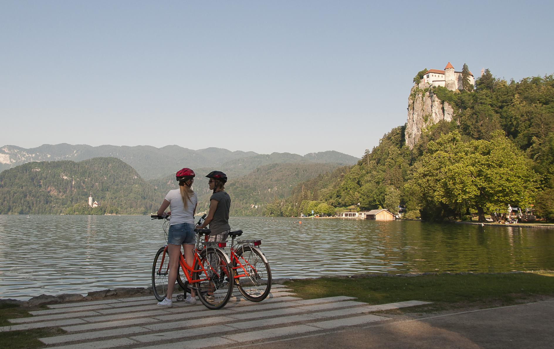 Lakes & cities cycling tour in Slovenia: Cycle Bled to Ljubljana