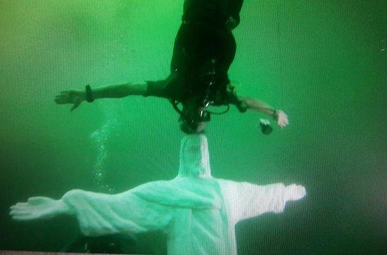 Altitude diving experience in El Salvador: Lake Ilopango fun dive