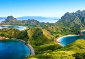 full day Komodo National Park boat tour