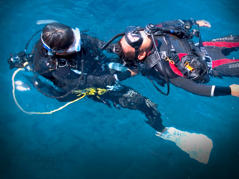 PADI Rescue diver course on the Costa Blanca in Spain