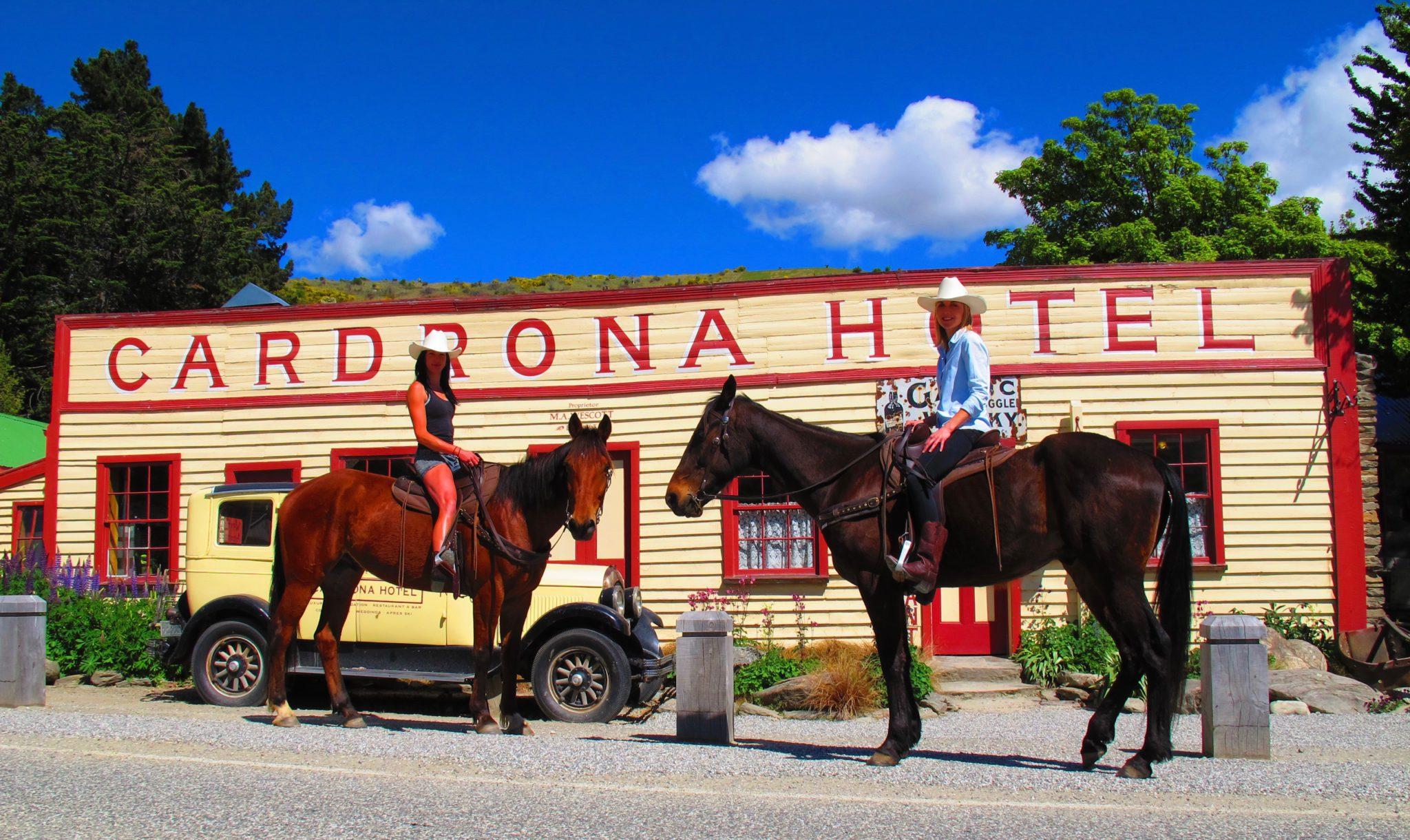 3.5hr New Zealand High Country Pub Trail Horse Trek in Cardrona