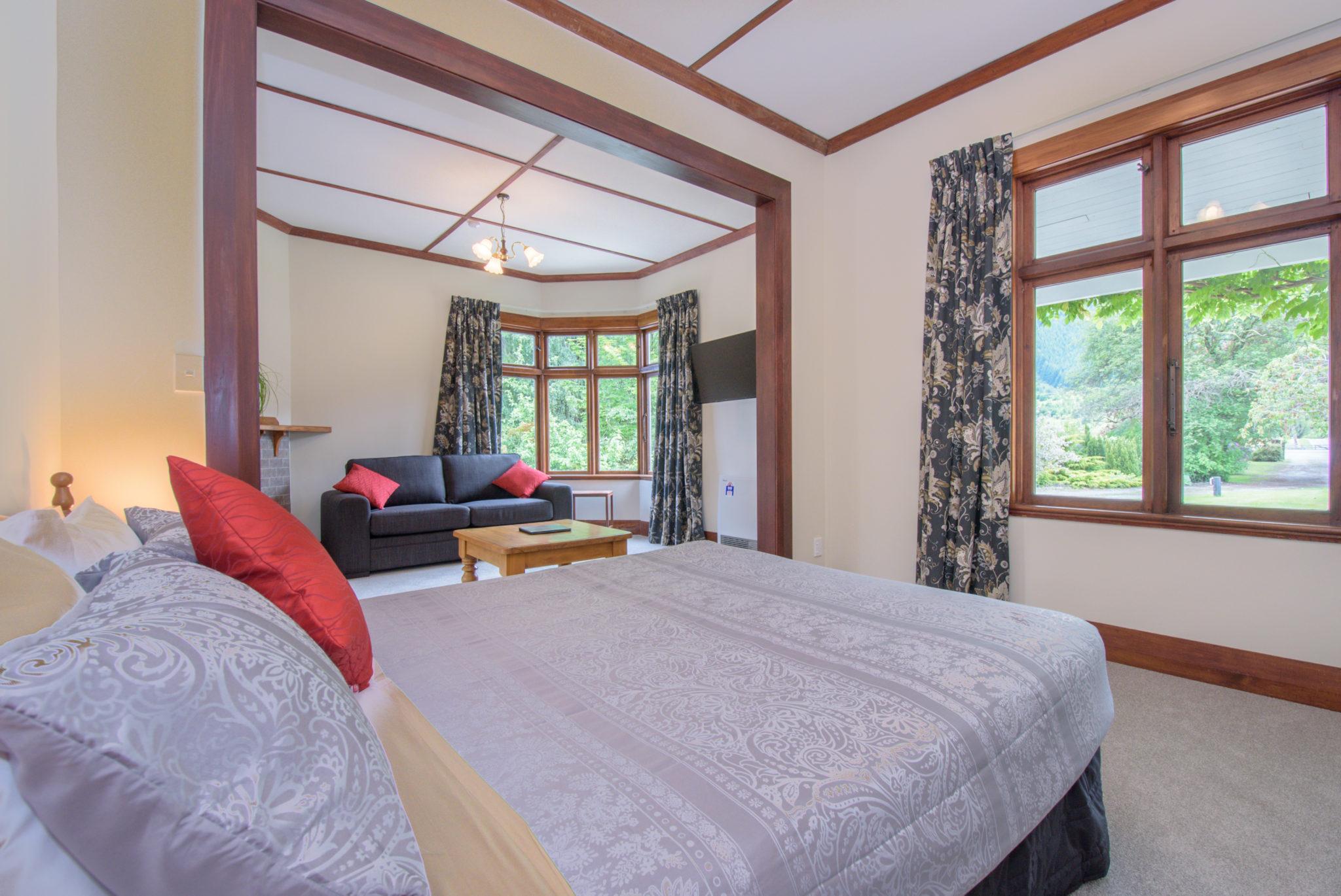 Queen Studio Apartment at Coronet Peak, New Zealand