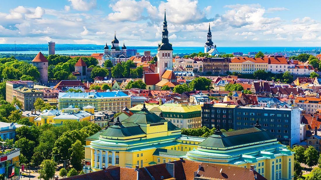 Best of Tallinn Walking day trip in Estonia (departing Helsinki)
