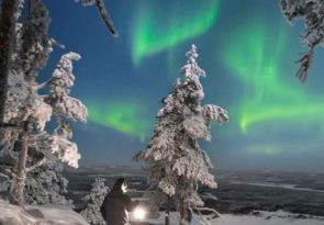 Northern Lights snowshoeing in Lapland Forests