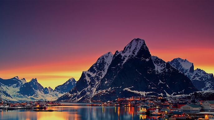 Aurora overlanding tour to Abisko, Kiruna and Lofoten Islands