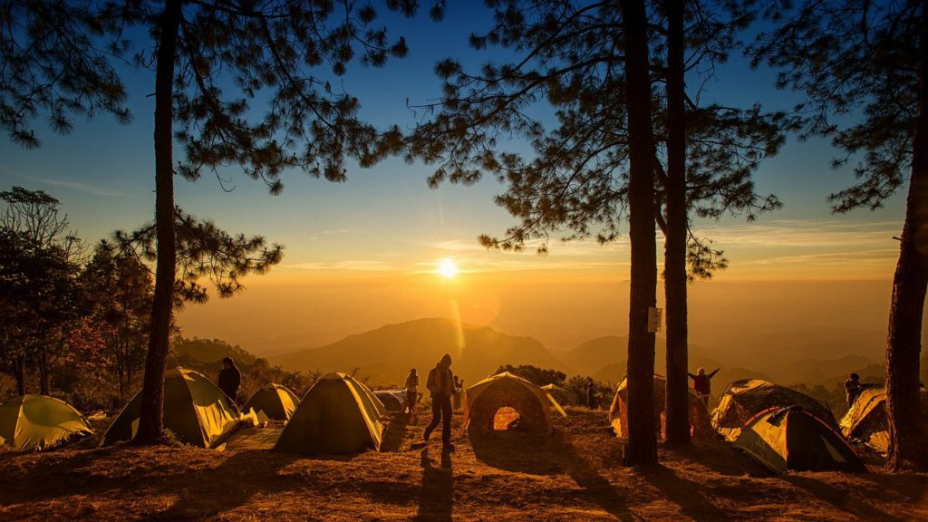 Planned vs unplanned RTW tour Pixabay royalty free image of camping